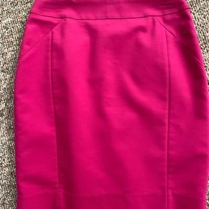 H&M work skirt, size 6. Pink
